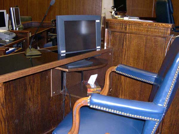 Witness box with touchscreen monitor